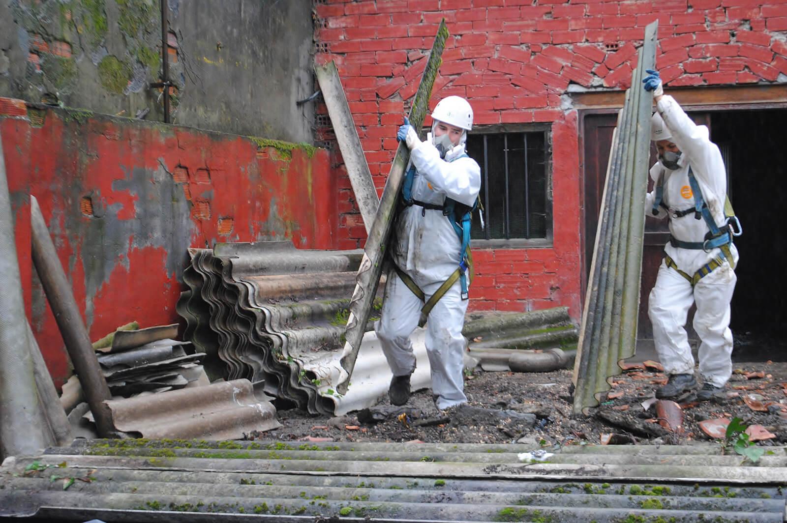 Licensed Asbestos Removal - Worker remove asbestos